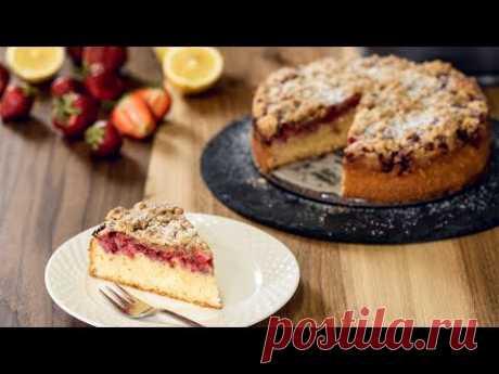 Strawberry Streusel Cake