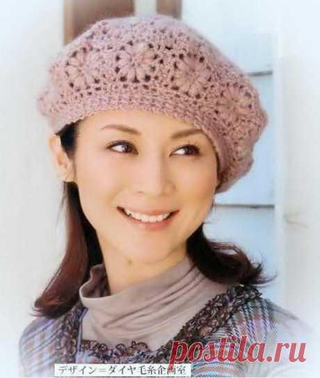Crochet beret pattern for women - simple flower crochet motif