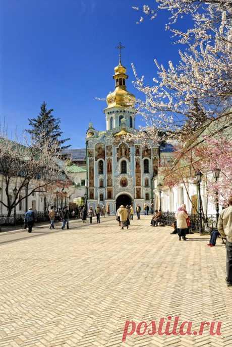 Sumy, Ukraine.This Ukraine has, an amazing a mix of east… от nikolay.zavada  |  Pinterest • Всемирный каталог идей