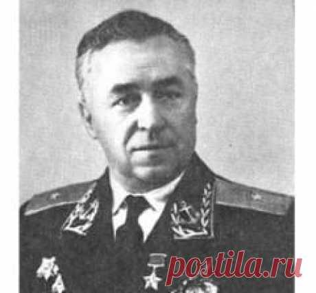 Сегодня 20 июля в 1906 году родился(ась) Илья Мазурук-1-й ПОСАДИЛ САМОЛЕТ АН-2 НА ВЕРШИНУ АЙСБЕРГА В АНТАРКТИДЕ