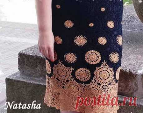 Round motive for a dress or a skirt \u000d\u000aThe usual round motives connected by a hook and collected in a uniform cloth of a dress or skirt can look very elegantly and nobly.