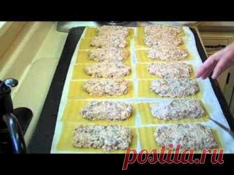 Recipe - https://amandascookin.com/2011/11/lasagna-roll-ups.html