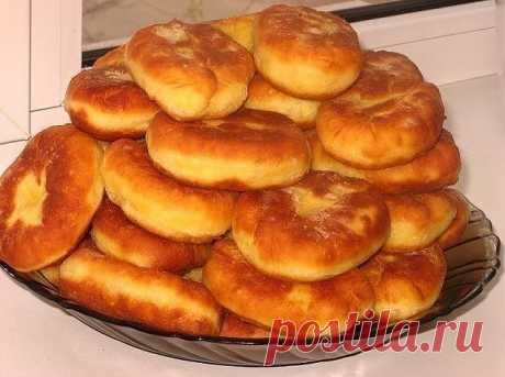 Хозяюшкам на заметку: более десяти рецептов пирожков             Обязательно сохраните к себе на стену, чтобы не потерять! Пирожки мягенькие Тесто замечательное — мягкое, нежное, воздушное. Просто очень вкусное. Это тесто подходит к любой начинке. Ингре…