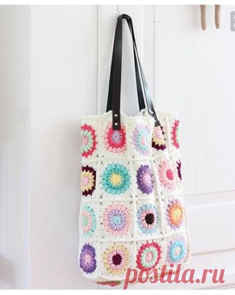 Crochet Granny Bag by Bleu et Rosé | Crochet bags