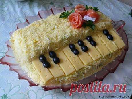 "Необычный салат ""Белый рояль"""