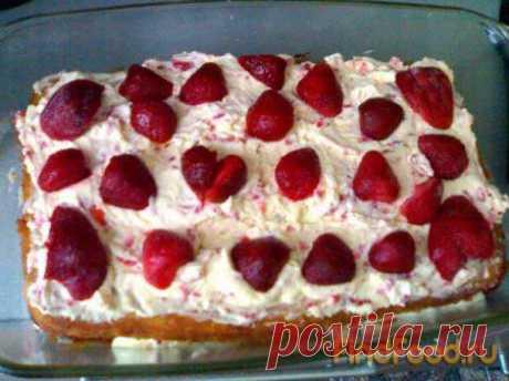 Как приготовить творожно-клубничный торт? Рецепт