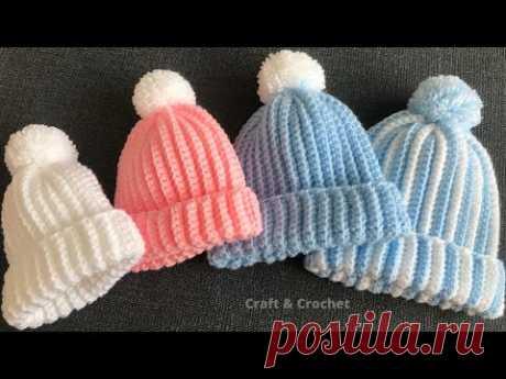 Легкая и быстрая детская шапка для вязания крючком (И варежки с носочками заодно)