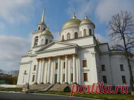 Новотихвинский монастырь в Екатеринбурге