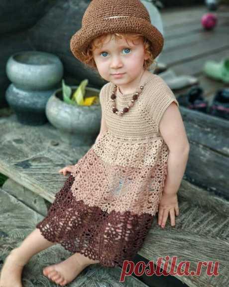 Вяжем ажурное платье для маленьких