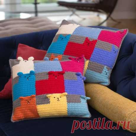 """Knitted cushions with application \""""Kittens\"""" and \""""Puppies\"""" - a master class"""