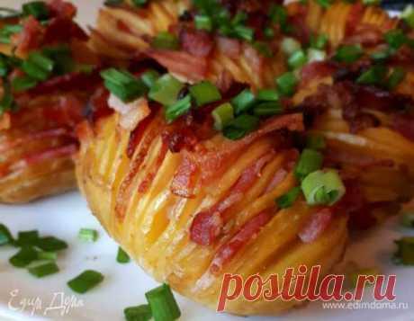 Картофель по-шведски. Ингредиенты: картофель молодой, бекон сырокопченый, соль