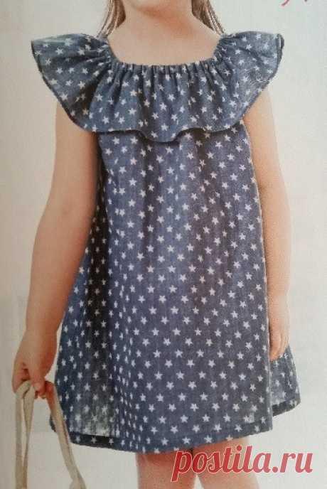 El vestido aéreo para la muchacha. Las dimensiones a la edad del año a 14 años (la Costura y el corte)