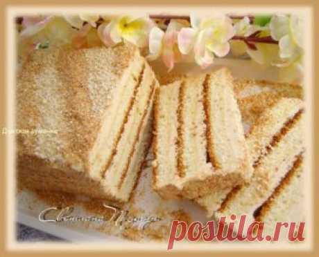 """Торт Славянка от Светланы Позигун. Торт Славянка    """"Торт Славянка - добротный бисквитный торт. Очень вкусный и совсем не сухой, хотя готовится без пропитки. Крем с халвой очень вкусный. И на вид торт очень большой, хотя всего 1 кг"""". - Светлана Позигун рассказывает, как приготовить торт Славянка.  Как приготовить бисквит"""