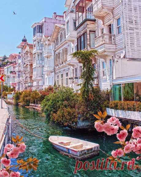 Район Арнавуткёй в Стамбуле. Бывали там?