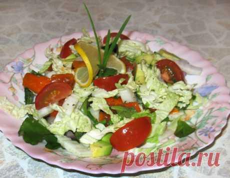 Салат с авокадо, хурмой и лимоном - рецепт с фото пошагово Салат с авокадо, хурмой и лимоном - пошаговый кулинарный рецепт приготовления с фото, шаг за шагом.