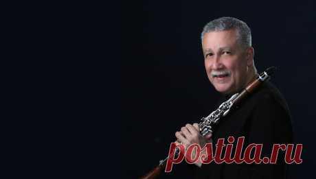 Кубинский джазмен Пакито Де Ривера выступит в Доме музыки 17 февраля в Доме музыки выступит кубинский саксофонист и кларнетист, многократный обладатель премии Grammy Пакито Де Ривера. Недавно он отметил сразу два юбилея – 70-летие и 60-летие концертной деятельности.