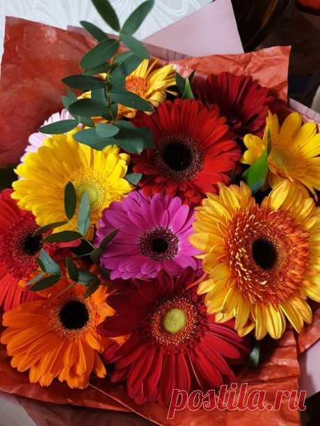 Пусть этот мир наполнится добром, Улыбками и яркими цветами, Любовью, верой, солнцем и теплом, И светлыми благими чудесами! ДОБРОЕ УТРО!!!