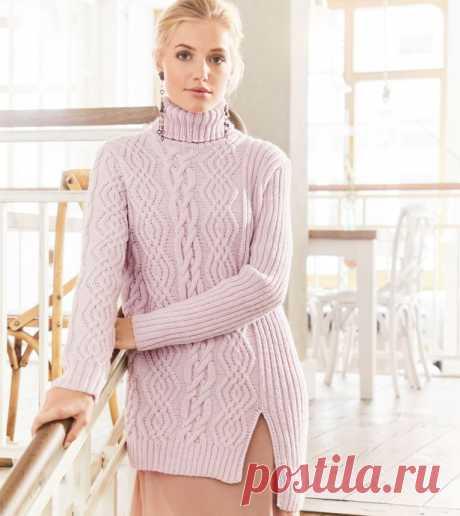 Асимметричный свитер с «косами» и разрезом сбоку