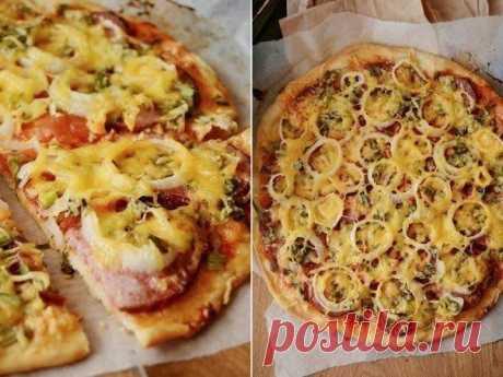 Пицца с колбасой на тонком тесте