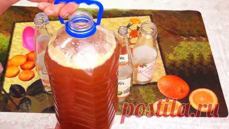 Как за 4 часа приготовить газированный домашний квас Газировки из магазина не лучшие для здоровья напитки, так как вызывают раздражение желудка, не говоря уже о вреде для почек. Гораздо безопасней и полезней утолять жажду домашним квасом. Чтобы его приготовить, не обязательно сушить ржаные сухари, так как есть более простой быстрый