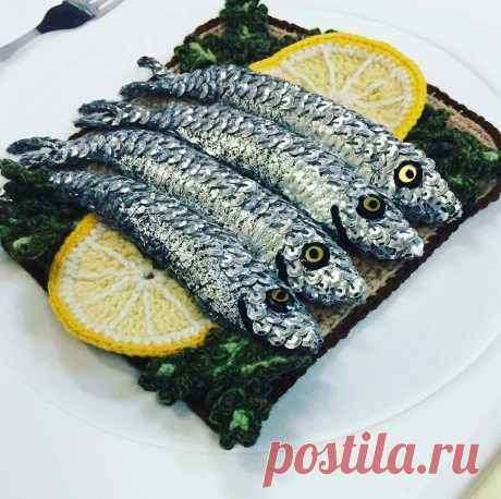 Вязаный кетчуп, или как дизайнер по текстилю стала создавать еду из пряжи: рукодельный instagram недели — Мастер-классы на BurdaStyle.ru