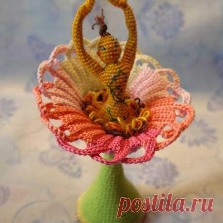 Неземная Туния. Стихотворение про неземное существо, которое раскрыло цветок. Девочка связана крючком #НеземнаяТуния #Стихотворениепронеземноесущество #амигурумикукла #крючок #кукла #игрушка #вязанаяжизнь #вязание #вязанаяигрушка #вязанаякукла #амигуруми #амигурумикуколка