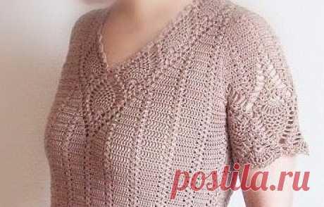 Пуловер с ажурной горловиной