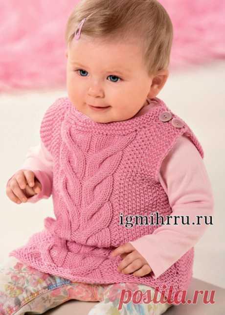 Теплый розовый жилет для малышки