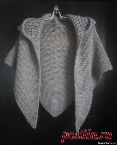 Шаль с цельновязанным капюшоном | Вязание спицами аксессуаров