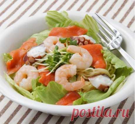 Салат из рисовой лапши и морепродуктов рецепт с фото - Приглашаем к столу