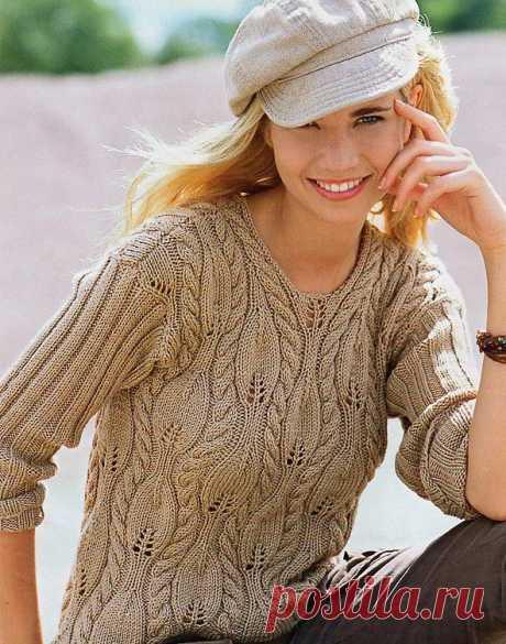Пуловер с рельефными листочками.