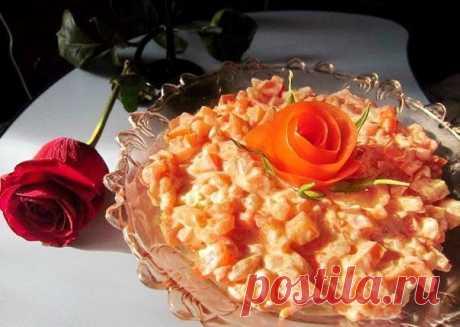 Безумно вкусный салат «Петушок с курицей и помидорами»