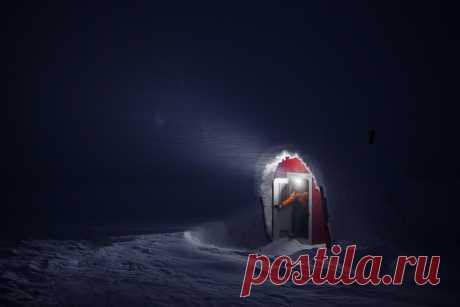 La ventisca sobre la arista De Vólogda, Urales Nortes. El autor de la foto — Vladímir Kochkin: