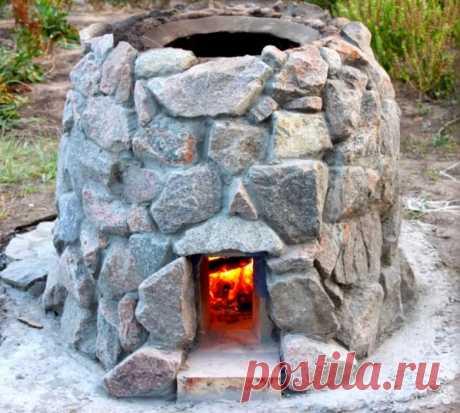 Тандыр своими руками Тандыр — особая печь-мангал, которая накапливает жар в толстых стенка. Еда, приготовленная в тандыре, получается невероятно вкусной и сочной.