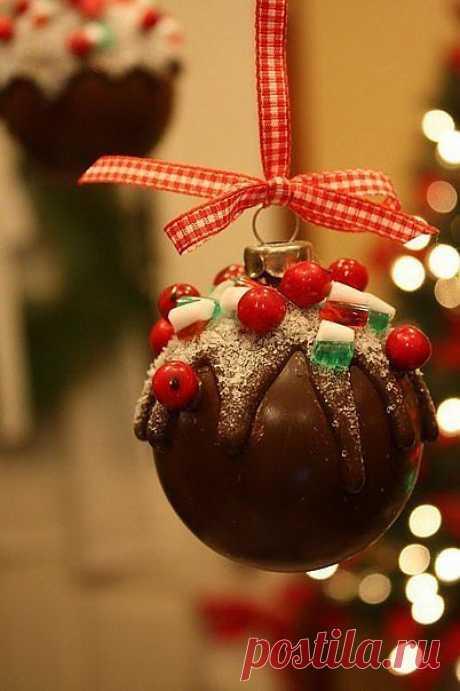 Шоколадный шарик на ёлку