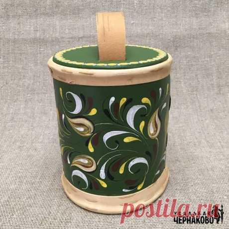 Зеленый расписной короб сколотень. Подарочный короб ручной работы. Шенкурская роспись на зеленом фоне.  Материал: береста. Внутренний слой безшовный, внешний прошит лентой. Крышка и дно из березы.  Каждое изделие имеет свой уникальный рисунок.