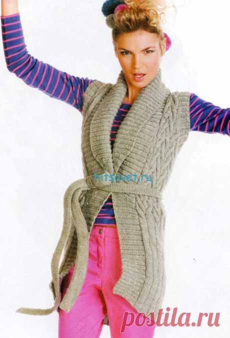 Удлиненный жилет спицами для женщин - Хитсовет Удлиненный жилет спицами для женщин. Модная модель женского жилета с поясом со схемой и бесплатным описанием. Вам потребуется: 700 (750; 800) г пряжи Soft Wool (100% шерсть, 50 г/100 м) светло-серого цвета.