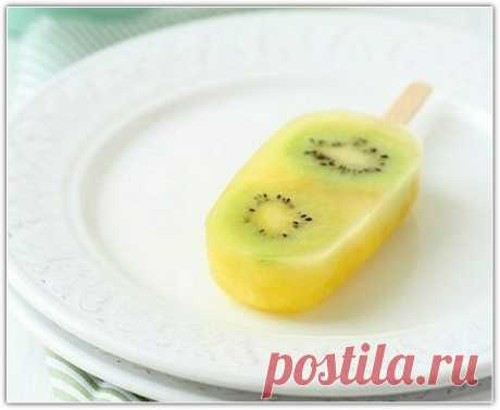 Фруктове морозиво з ананаса та ківі