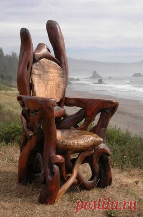 Мебель из выброшенной на берег древесины