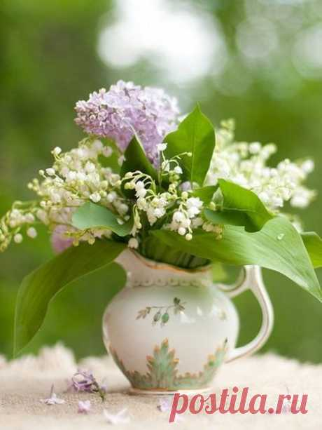 spring-decor-ideas-from-lily-of-the-valley-vases-style2-7.jpg (450×600)