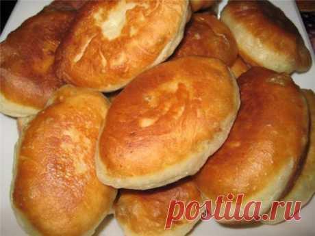 Быстрые, пышные и вкусные пирожки на кефире