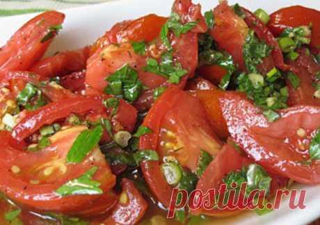 Блюдо обалденное — помидоры по-корейски... Помидоры по-корейски, сегодня вцентре нашего внимания. Они подходят, как идля повседневного стола, так идля праздничного будет всамый раз. Все гости будут просить увас рецепт, настолько они получаются вкусными....