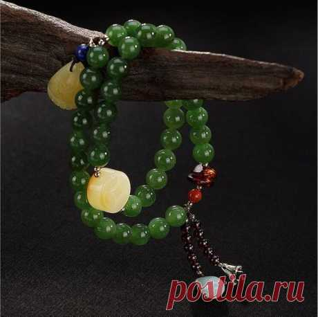 Natural Jasper 8mm Bead Bracelet / Beeswax Bead Bracelet / South Red Agate Bracelet / Amulet Bracelet / Jade Jewelry Product Details:  Material: 925 silver, jasper, beeswax, south red agate  Color: green  Shape: beads  Size: Jasper beads 8mm  Weight: 40.5 g  Translucent: translucent  Symbol: Good luck to you