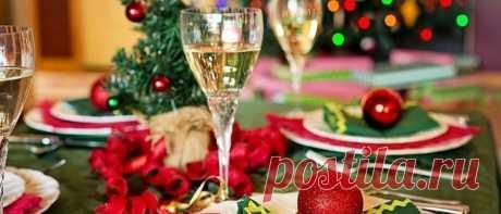 Что должно быть на столе в Новый 2019 год Свиньи Что должно быть на столе в Новый 2019 год Свиньи. Какие горячие блюда или гарниры, закуски и салаты поставить на праздничный стол в год Желтой Свиньи.