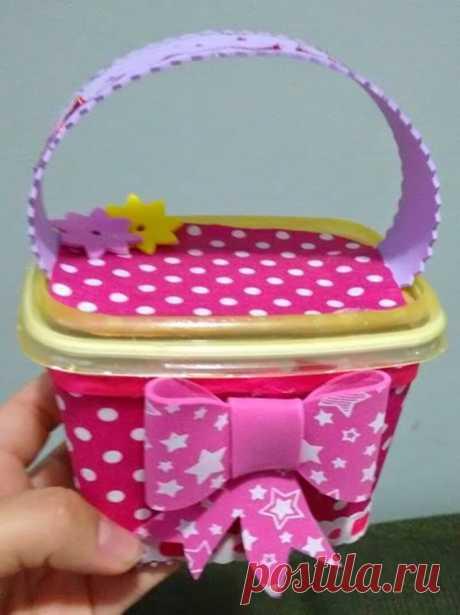 Como organizar e decorar a sua casa usando potes de margarina decorados