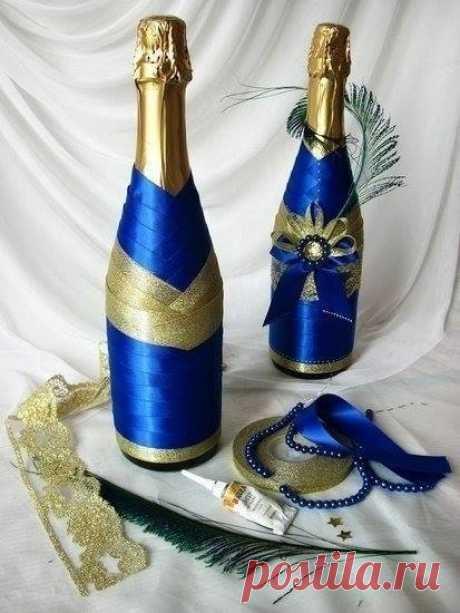 Декорируем бутылку атласными лентами