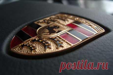 В Porsche озвучили характеристики первого электрокара Taycan