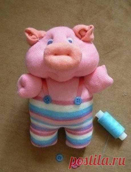 Хрюшка - игрушка из носка