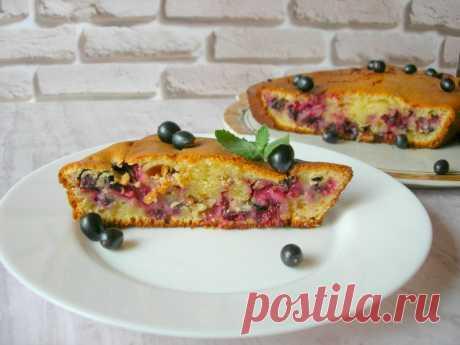 Пирог на сметане с черной смородиной — Кулинарная книга - рецепты с фото