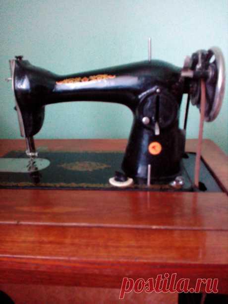Продам швейну машину з тумбою - Різне-інше Яворів на board.if.ua код оголошення 58322